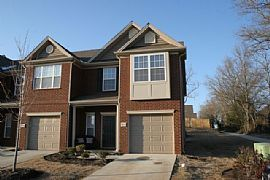 3 bed/2.5 bath Townhouse - Brentwood
