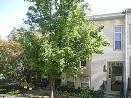 4 bedroom townhouse-MUST SEE!!! Be