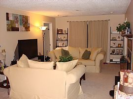 3BR 2BA Condo at Decoverly in Rockville!