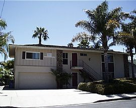 GREAT HOUSE in Isla Vista! - 7-8 Person 4 bedroom Upstairs Unit