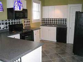 2BR - Apartment w/ Old World Charm - Wales Garden/Five Points