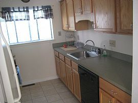 2 BEDROOM NEWLY RENOVATED TOWNHOUSE BRANFORD CT