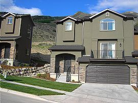 Reduced Price, Beautiful New 3 BR Townhome!