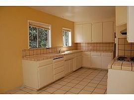 LARGE DUPLEX-REMODEL-FIRE PLACE-VAULTED CEILING-SJSU