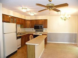 Town Home near Turkey Creek Shopping Center (West Knoxville)