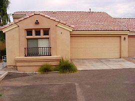3 Bedroom Townhome - Gated Casitas