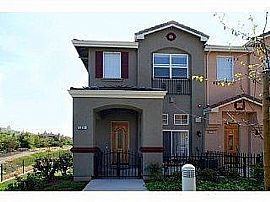 Absolutely Stunning End Unit luxury Town Home Available For Rent