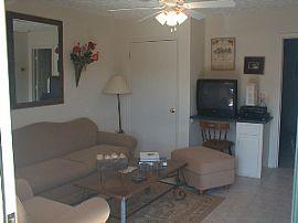 Remodeled 1 BR, 1 BA Apartment With Balcony In Downtown Auburn!