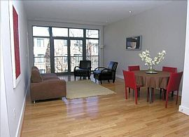 AMAZING 2 BR, 2 BA Apartment at the Desirable Barcelona