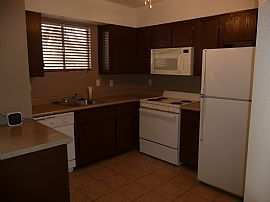 Refurbished 2 Bedroom Townhome with Fenced Yard
