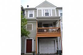 Beautiful 3 Bedroom Townhome with Garage - Available