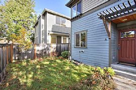 Beautiful 2 Bedroom Townhouse - Central District