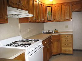 Renovated Walk-In 2 BR, 1 BA Apartment on Quiet, Clean Block