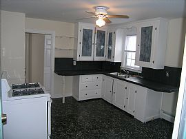 Immaculate 2 BR, 1 BA Apartment in Governor Francis