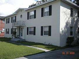 Bright 2 BR, 1 BA Apartment Water Included in Rent!