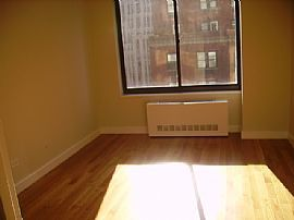 Luxury 1 Bedroom Apartment High Rise with Terrace - No Fee!!!