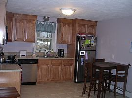 Newly Renovated 2 Bedroom Apartment Style Condo - Must See