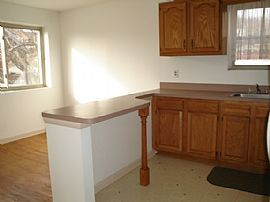 Great 2 Bedroom Apartment with Immaculate Remodeled Kitchen