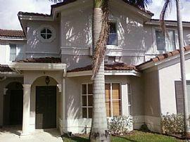 Adorable 2 BR, 2.5 BA, 2 Story Townhouse with Club House