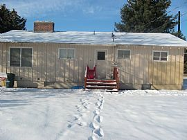 Large 2 Bedroom Apartment with Updated Washer and Dryer
