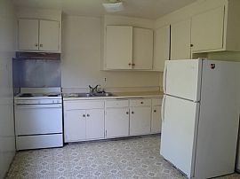 Newly Renovated 2 Bedroom Apartment with Covered Parking