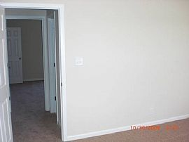 Attractive 2 Bedroom Townhouse with 1100 Sq. Ft.