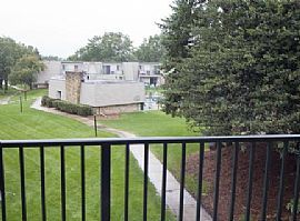 Very Well-Maintained 2 Bedroom Condo with Private Balcony