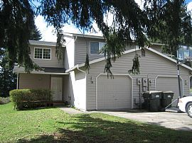 Very Clean 3 Bedroom Duplex Townhouse with Large Backyard