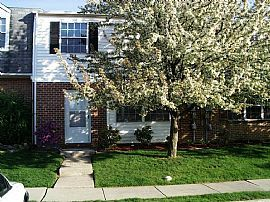 $1300 Spacious 3 Br 2.5 Ba Frederick Townhouse Avail July 1