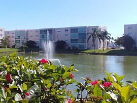 Lovely 1st Floor, Fully Furnished 2 Bedroom Condo Near Beach