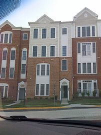 Enticing 3 Bedroom Townhouse Style Condo with 2251 Sq. Ft.