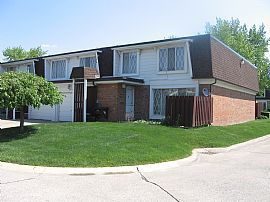 Very Nice 3 Bedroom Condo with 1572 Sq. Ft. and 1.5 Car Garage