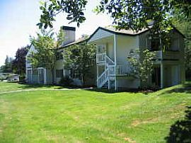Forest Lane Apartments - Cozy and on 5 Acres -