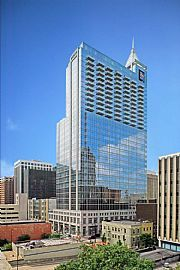 Luxurious 2 Bedroom Condo in RBC Plaza with Large Balcony