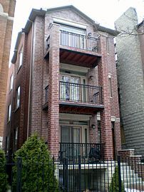 Top Floor, 2 Bedroom Condo with Vaulted Ceiling and Skylight