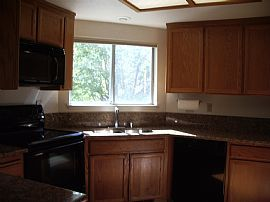 Sparkling, Bright 2 Bedroom Townhouse with Updated Features