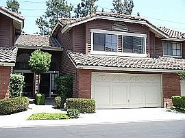 Tasteful 3 Bedroom Gated Townhouse with Vaulted CeilinGS $2295