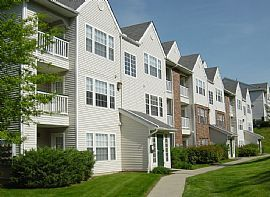 Exclusive 1 BR, 1 BA Apartment Great Special Now!