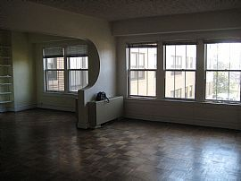 Bright, Wide, Friendly 1 Bedroom Apartment in Great Location