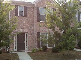 Scenic 3 Bedroom Townhouse with Deck