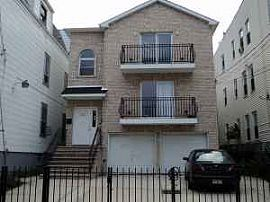 Huge 3br 2ba Apartment Available Now