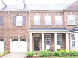 Beautiful 3 Bedroom Townhouse - Only 2 Years Old!