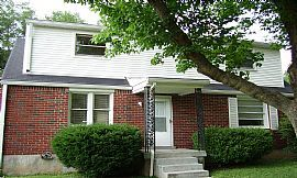 Great 2 Bedroom Duplex Townhouse with Updated Kitchen Cabinets