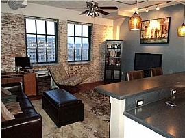 Beautiful 1 Bedroom Condo in Downtown - Great Location