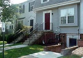Welcome Home! 2 Bedroom Townhouse with Convenience and Comfort