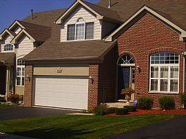 Beautiful 3 Bedroom Townhouse with 2 1/2 Car Garage
