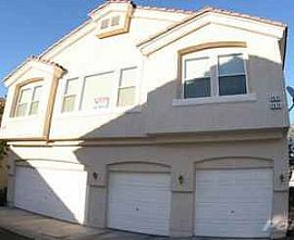 Great 2 Bedroom Townhouse in Quiet Gated Community