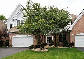 Exceptional 2 Bedroom Townhouse with Golf Course View!!