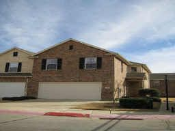 Spacious 3 Bedroom Townhouse with Open Loft