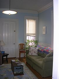 Beautiful 1 Bedroom Victorian Apartment - Close to Downtown
